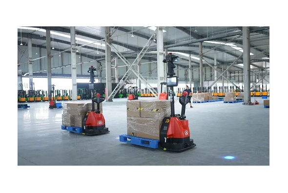 """李开复:""""物流机器人+AI""""是中国""""世界工厂""""未来趋势之一"""